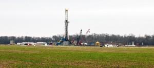 Fracking on the Haynesville Shale near Shreveport, Louisiana. Natural gas drilling. Photo Dan Foster, wikimedia creative commons