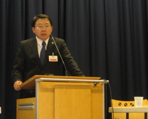 Dr. Wui Chiang Lee, spoke to about 100 people at RTI International Monday afternoon.